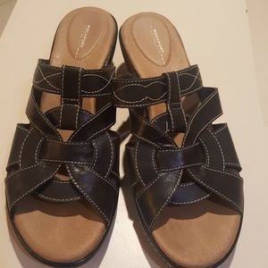 Rockport Walkability Black Sandals in size 9